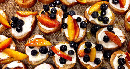 Peach & blueberry bruschetta with ricotta