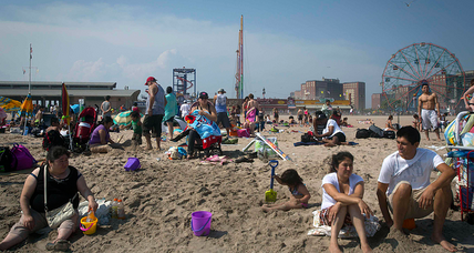 Pro-swastika banner doesn't fly with New York beachgoers