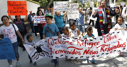 With Obama pressed to ease deportations, child migrant crisis is pushing back (+video)