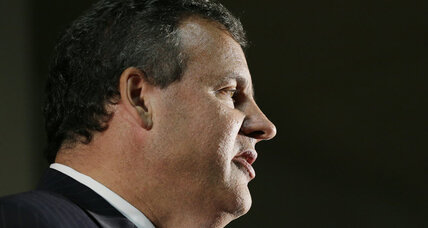 Christie swings through Iowa as Bridgegate looms