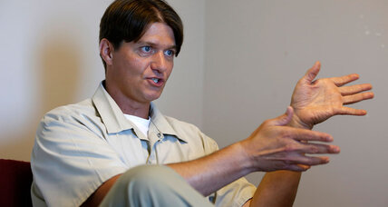 Drug offenders in federal prisons can seek shortened sentences (+video)