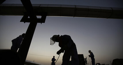 Oil prices continue slide but remain elevated on Ukraine, Iraq