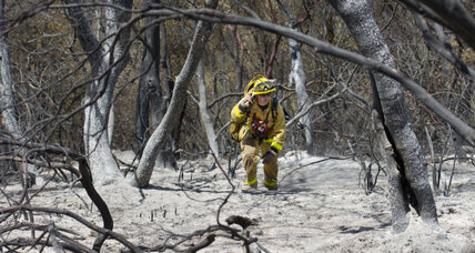 California fire threatens 500 homes, more high temps forecast (+video)