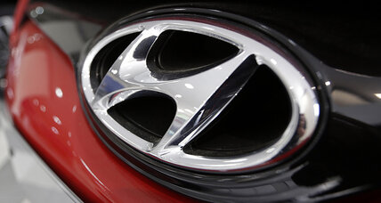 Hyundai recalls 889,000 Sonatas for brake issues