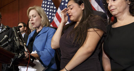 Sexual assault: Senators introduce bill to hold campuses more accountable (+video)