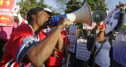 McDonald's worker protest scores major victory. Will higher wages, unions follow? (+video)