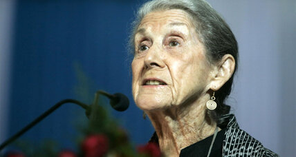 Nadine Gordimer, Nobel Prize-winning writer and critic of South African apartheid, dies