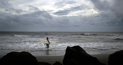 Sisters caught in storm on paddleboards, reach shore after nearly 8 hours