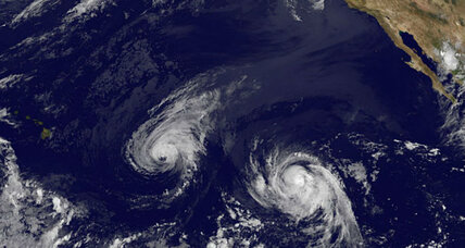 Hawaii, which rarely gets hurricanes, now faces two back-to-back (+video)