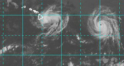 Hawaii storms: Iselle downgraded, hurricane Julio approaching (+video)