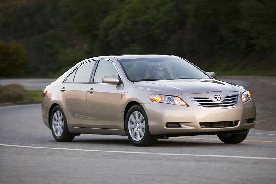 Toyota Recalls 177 000 Camry Hybrids For Brake Fluid Problem