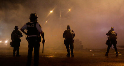 Mike Brown protests: Fresh riots reveal deep divisions among police (+video)