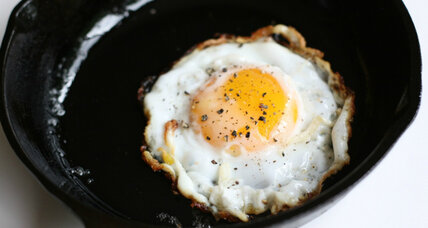 Thai-style fried egg (kai dao)