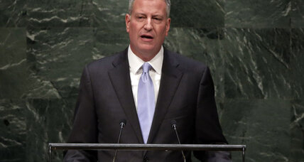 Living wage: New York mayor gives thousands of workers a raise