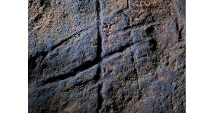 Did Neanderthals produce abstract art?