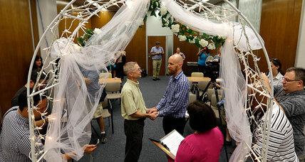 Gay marriage bans in Wisconsin, Indiana struck down as unconstitutional (+video)