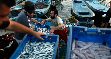 Gaza fishermen see shrimp-sized gains from Israel-Hamas cease-fire
