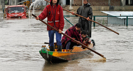 India and Pakistan scramble to send aid to flooded Kashmir Valley