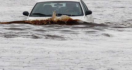 Phoenix flooding: Record rainfall snarls traffic (+video)