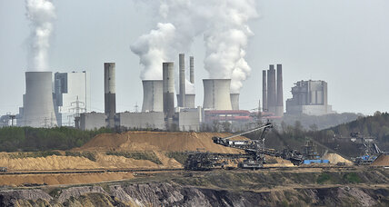 Climate change: Carbon dioxide levels at record high, UN says