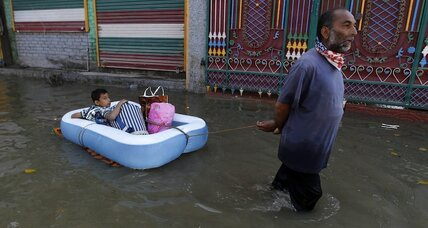 Aid volunteers in flooded Kashmir Valley ask: Where is the Indian Army?