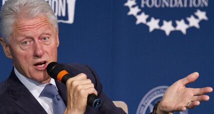 Bill Clinton calls US efforts against Ebola a 'good beginning'