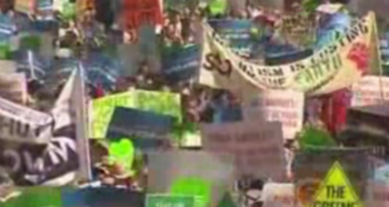 Tens of thousands flood Manhattan streets for climate march