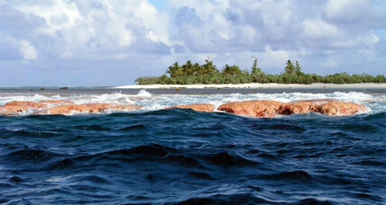 Obama extends vast marine reserve in central Pacific Ocean
