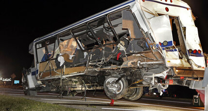 Four Texas college softball players killed in bus crash with truck (+video)