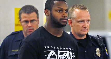 NFL's Arizona Cardinals move quickly to deactivate Jonathan Dwyer after arrest