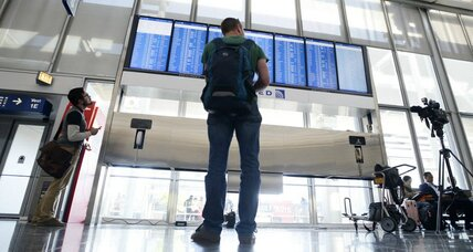 'Everyday, normal guy' makes big mess of air traffic control. How did that happen?