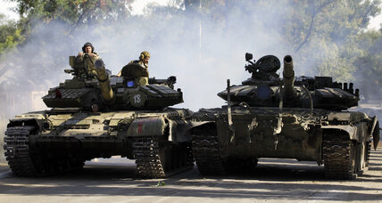 Heavy fighting in eastern Ukraine leaves six dead despite cease-fire (+video)