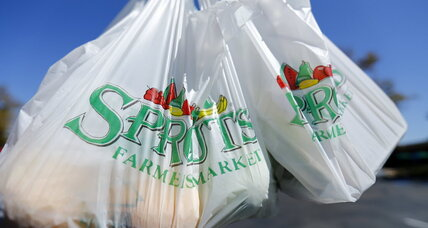 California becomes first in nation to ban plastic bags at stores (+video)