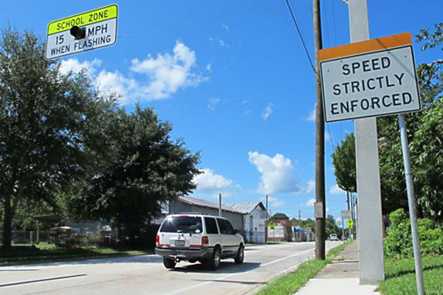 Florida speed trap: Police required to write 12 tickets per
