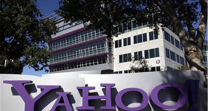 Yahoo: Gov't threatened $250K-a-day fines to get our user data