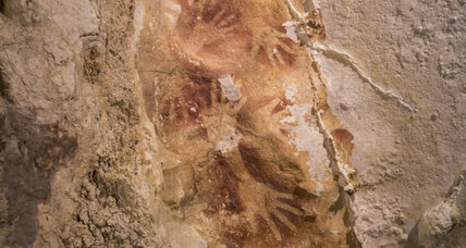 Indonesian cave art: oldest hand 'stencil' yet discovered (+video)