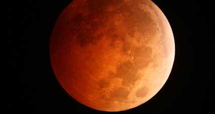 Spectacular 'blood moon' eclipse wows skywatchers