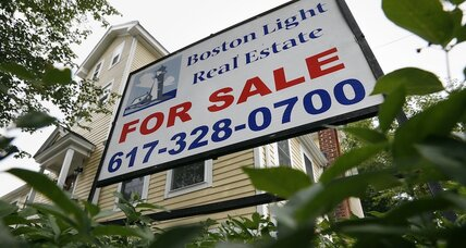 Mortgage rates fall, but that doesn't inspire home buying