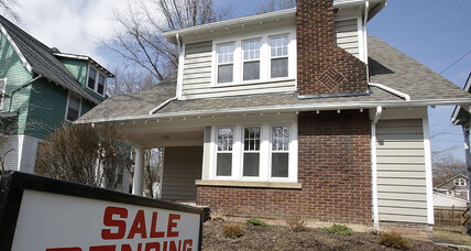 Pending home sales inch up 0.3 percent in September