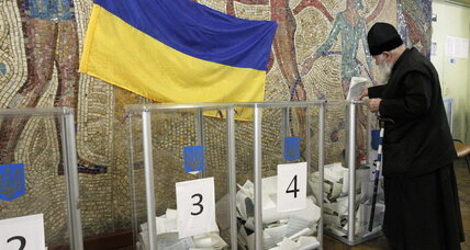 War-weary Ukrainians go to polls. Will pro-Western politicians prevail?