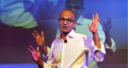 Microsoft CEO apologizes for telling women not to ask for raises (+video)