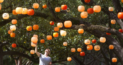 Halloween 2014: Teal pumpkins, candy tricks, and other signs of the times (+video)