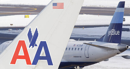 US Ebola case grounds airline stocks; Dow falls 237 points