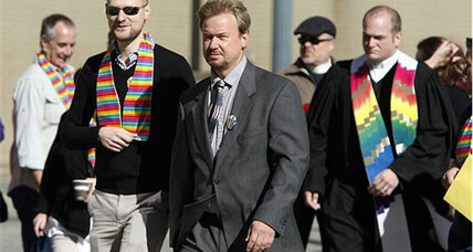 Pastor who officiated gay wedding keeps Methodist ordination
