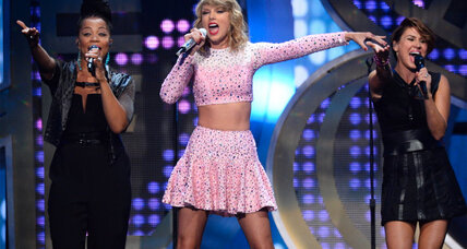 Taylor Swift: Is her album '1989' a successful move to pop?