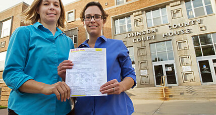 Federal judge rules against Kansas's gay marriage ban