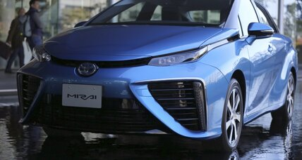 Toyota Mirai review roundup: Toyota gambles on hydrogen power (+video)
