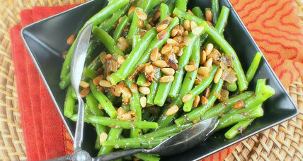 Thanksgiving recipe: Green beans with caramelized shallots and pine nuts
