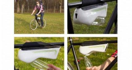 Self-filling water bottle turns air into water as you ride your bike