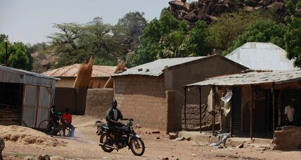 Nigerian army says it has regained town from Boko Haram (+video)